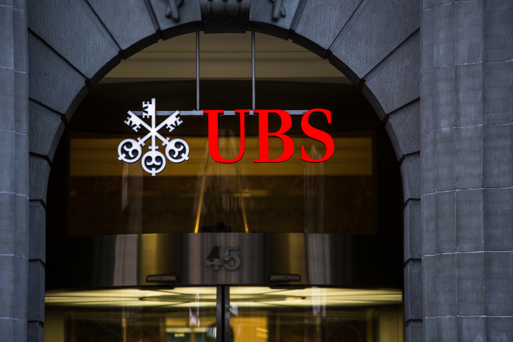 UBS to shrink Swiss branch network in digital push